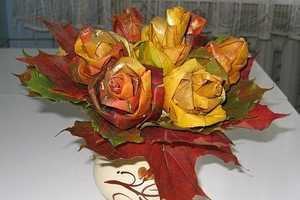 Maple Leaf Roses Make Festive Autumnal Floral Bouquets