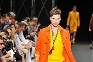 Louis Vuitton Spring 2010 RTW Line Exposes Slacking Styles