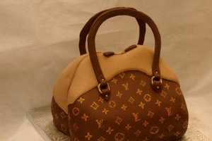 Louis Vuitton and Gossip Girl Fantasy Cakes Made to Order