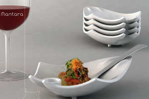 Mantara Dish Holds Entire Meal on Five Fingers