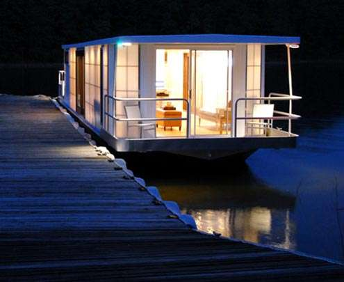 Sustainable Houseboats