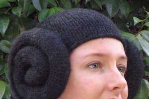 Knitted Princess Leia Hats Fake the Giant Two-Bun Look