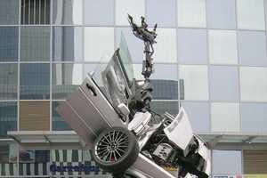 Fans Revel in Sight of Volkswagon Jetta-Bot at Beijing Mall