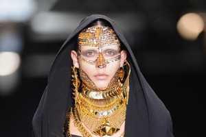 Veil Debate Inspires Paris Designers at Fashion Week