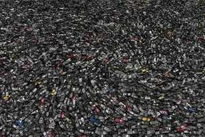Chris Jordan Raises Awareness of Mass Consumption (UPDATE)