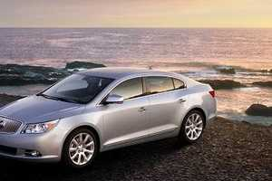 2010 Buick LaCrosse Blends Traditional Detailing & Eastern Aesthetic