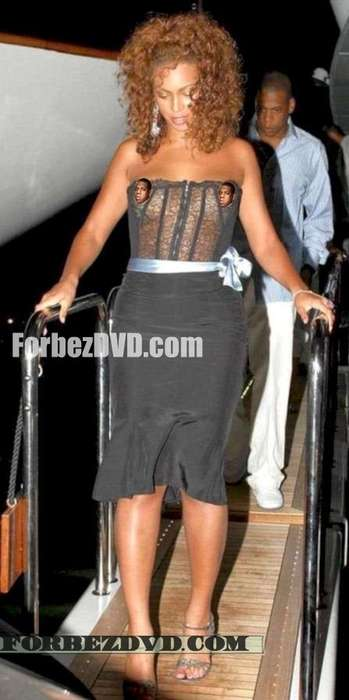 Peek-a-Boo Corsets - Beyonce Shows off her Goodies in See-Through Top
