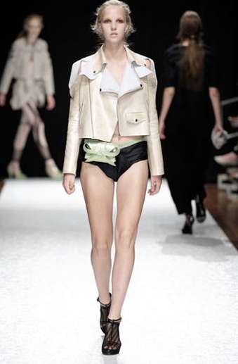 Fashionable Fanny Packs - The Ratna Ho Runway Show Rocks a Fashion Faux Pas