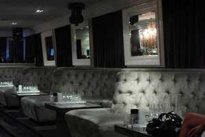Jezebel Burlesque Bar in Toronto Releases Inhibitions