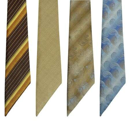 Assymetric Neck Ties From Hilverkus