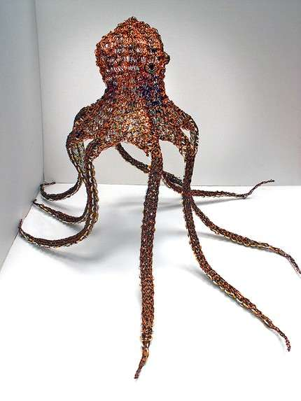 Electric Sea Creatures – An Octopus Knitted Out of Recycled Electrical Wire