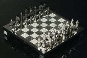 186ct Diamond Chess Set is for Serious (Rich) Players
