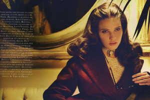 Lara Stone is a 40s Fashionista for September's Vogue Paris