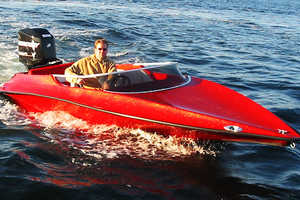 The Minx 18V Rips Through the Water Like a Supercar On Land