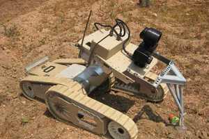 iRobot Warrior 700 Does the Dirty Work Quite Well