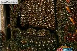 89-Year-Old Man Creates Sculpture from 20,000 Dead Insects