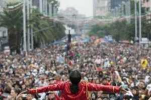 12,000 Fans in Mexico City Celebrate Michael Jackson's Birthday