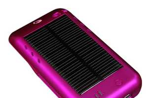 Solar Powered Surge iPod Touch Recharger Loves the Earth