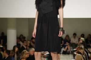 Vera Wang's Plunge into Darkness for Spring 2010
