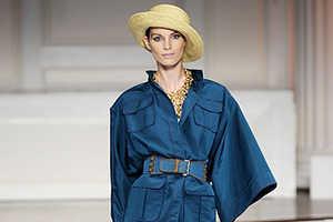 Oscar De La Renta Spring 2010 is a Mix of Fashions from Far Away