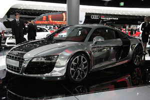 Chrome Audi R8 Entrances Narcissists at the Frankfurt Motor Show