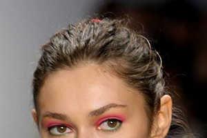 Spring 2010 Eye Makeup Takes on Rosy Pink Proportions