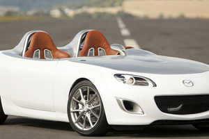 The Newly Redesigned Mazda MX-5 Drops 995Kg to Become Superlight