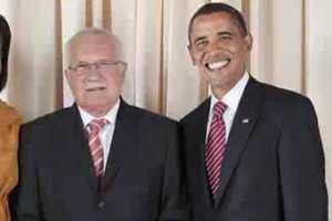 Video Shows Barack Obama's Smile is Consistent as Clockwork