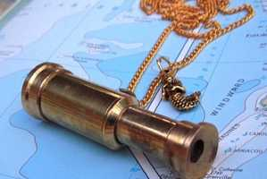 Spyglass Pendant from CosmicFirefly Lets You Gaze at Faraway Isles