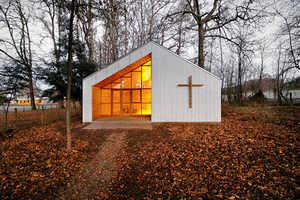 The Junquillos Chapel is a Picturesque Ecclesiastical Escape