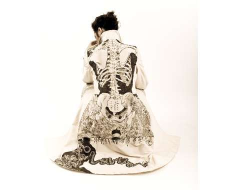 26 Skeletal Fashions