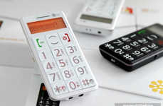 Calculator Mobile Phones - The iNO CP09 Mobile Phone Has Extra Large Numbers for Extra Large Eyes