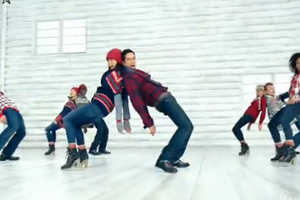 The Gap 'Holiday Cheer' Campaign Combines Spirit and Choreography
