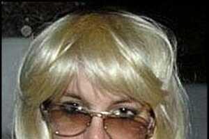 Britney Spears Is Hooked On Wigs