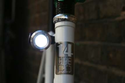 Cyclist Mega Gadgets  - The Puyl is a Battery-Free Combination Bike Pump & Light