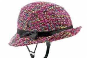 The Yakkay Helmet Offers a Stylish Bike Riding Accessory