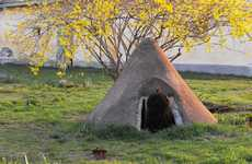 Canine Hobbit Homes - The All Natural DIY Dog House by Fibrillaria Made of Straw, Manure