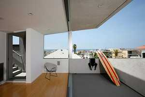 A Gorgeous Surfhouse by Xten Architecture in California