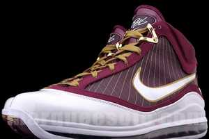 The Air Lebron Christ the King Edition Makes Me Say 'Hallelujah'