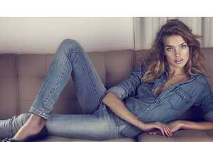 99 Daring Denim Fashions - From Curvaceous Denimitorials to Denim Loafers