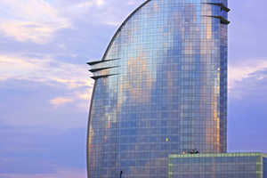 W Barcelona Offers Spectacular Architecture Close to the City