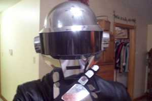 DIY Daft Punk Helmet Doesn't Miss a Beat