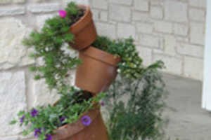 Incredible Plant Stand Makes Plant Pots Appear to Be Floating