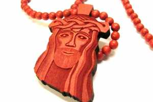 Good Wood Red Jesus Piece Makes Us Want to Go to Church