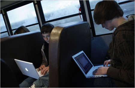 Wi-Fi School Buses - Arizona Turns a Bus Route into Study Hall on Wheels