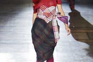 It's All About Tartan at the Vivienne Westwood Red Label Fall 2010 Show