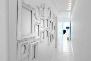 A Mostly White Interior by Nacho Polo