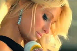 Check Out the Paris Hilton Devassa Bem Loura Ad Deemed too Hot for TV