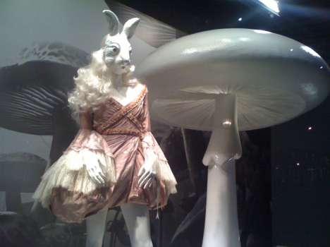 printemps haussmann alice in wonderland