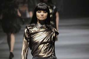Lanvin Fall 2010 Shows Highly Detailed Structure